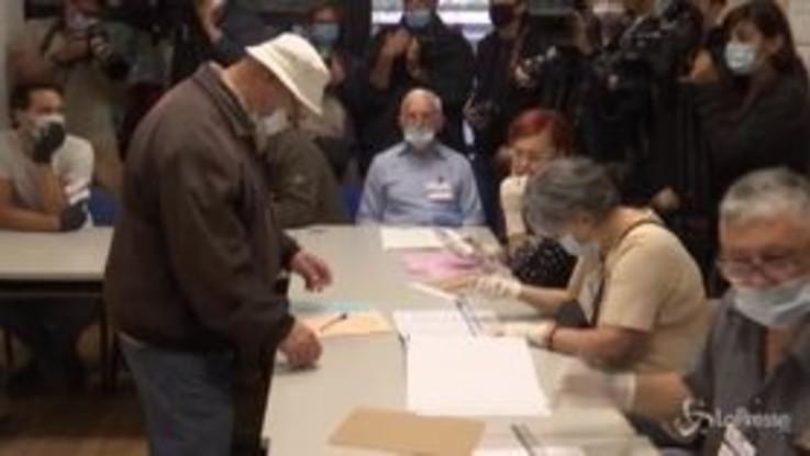 Serbia, urne aperte le elezioni parlamentari e amministrative