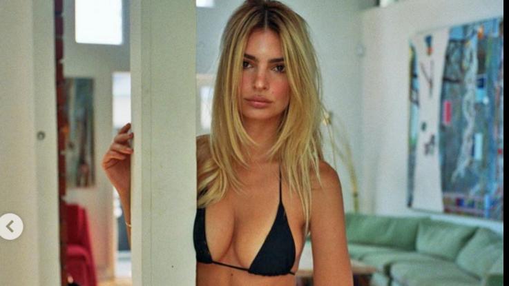sexy-instagram, Primo giorno da bionda per Emiliy Rataijkowski, in mini bikini