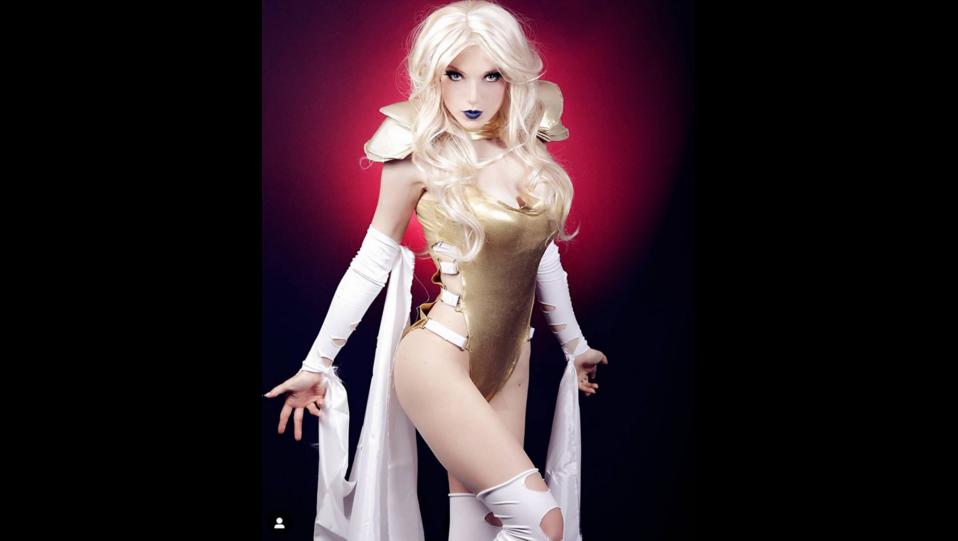 La cosplay Prettyrolla nei panni del personaggio dei fumetti Phoenix Force di Xmen(fonte Instagram) ©