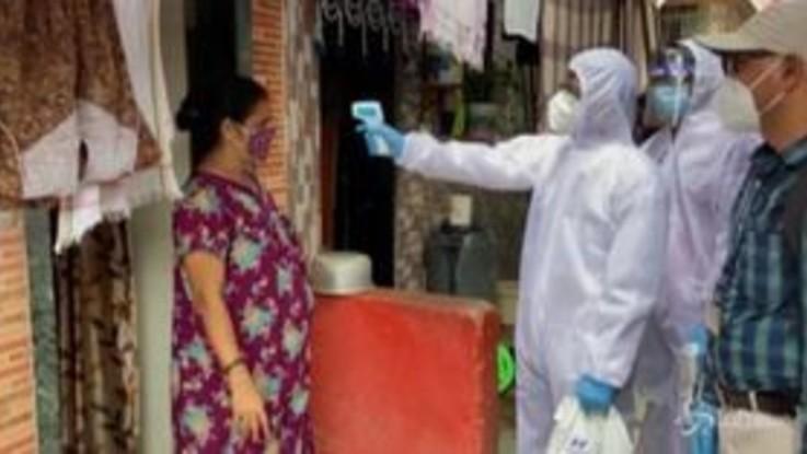 Coronavirus in India, lo screening a Mumbai è porta a porta