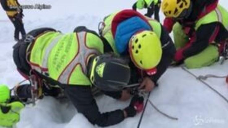 Valle d'Aosta, alpinista morto: recuperato il corpo