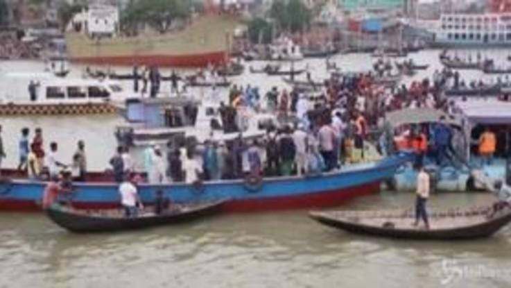 Bangladesh, scontro tra traghetti al porto di Dacca: almeno 28 morti