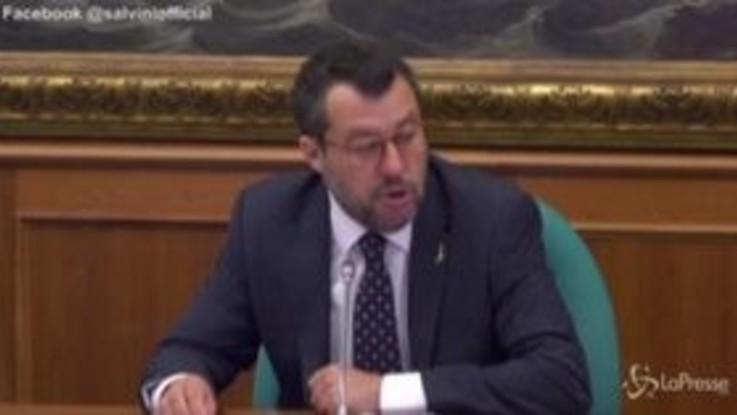 """Salvini: """"Se mettiamo De Micheli e Azzolina su monopattino direzione infinito è servizio al Paese"""""""