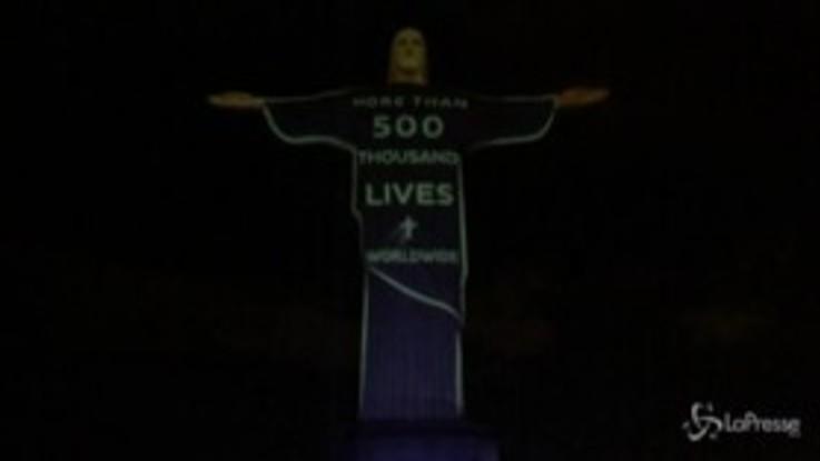 Brasile, omaggio alle vittime del Covid sul Cristo Redentore