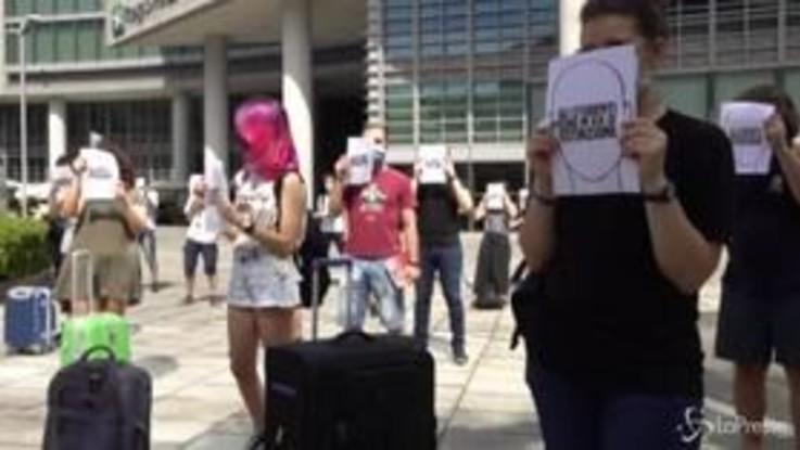 """Milano, studenti in protesta: """"Senza aiuti in molti lasceranno l'università"""""""