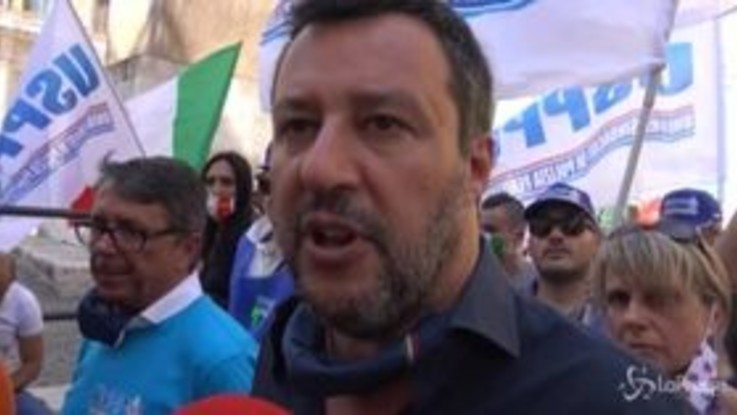 """Salvini: """"Quello che ha passato Berlusconi è indegno di una democrazia occidentale"""""""