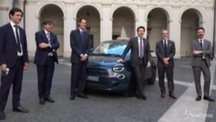 Fca, debutto al Quirinale e a Palazzo Chigi per la Fiat 500 elettrica