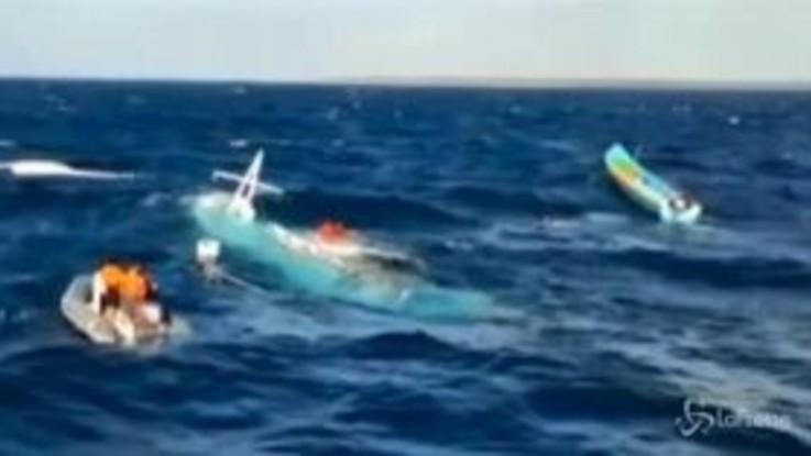 Si ribalta una barca da pesca in Indonesia, 2 morti e 7 dispersi