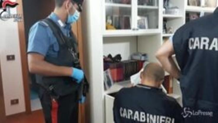 Distraevano fondi pubblici, 28 arresti a Roma