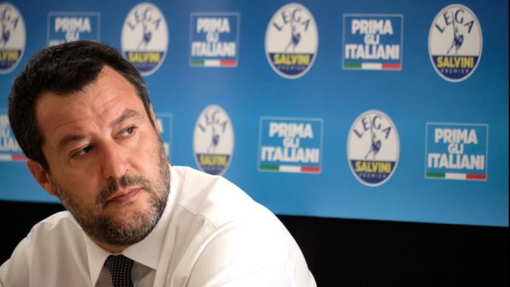 L'ira di Salvini: rinviato incontro con Conte. Il premier: Sembra Ecce Bombo