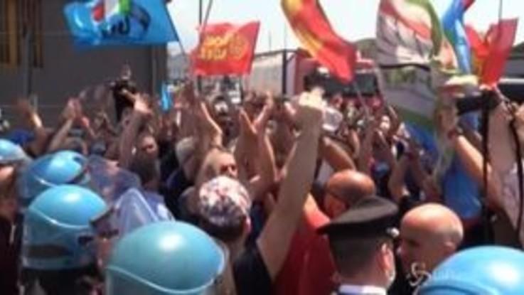 """Whirpool, sindacati incontrano ministro Provenzano: """"Riconversioni sono fallimentari"""""""