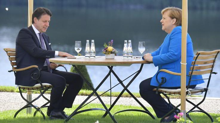 """Ue, Conte a Merkel: """"La tempestività della risposta alla crisi è fondamentale"""""""