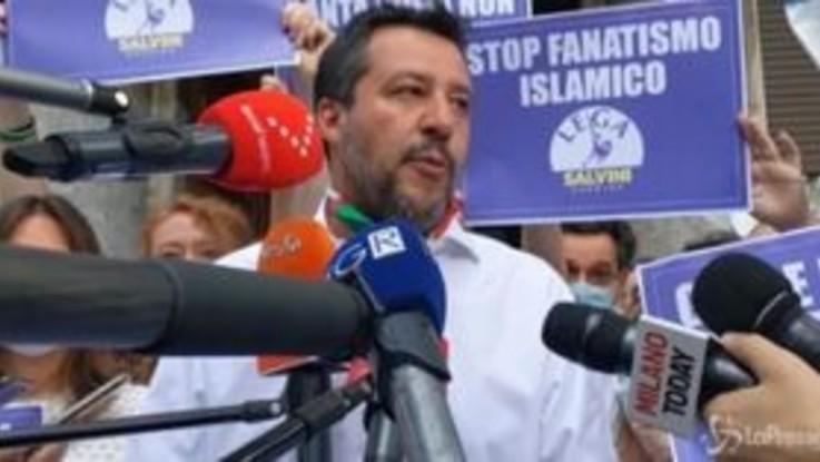 """Salvini: """"D'accordo col Papa, immigrazione qualificata limitata è valore aggiunto"""""""