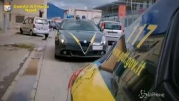 Napoli, sequestrate 2 tonnellate sigarette a organizzazione di contrabbandieri