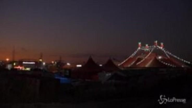 Coronavirus, in Brasile il circo si può vedere dalla propria macchina