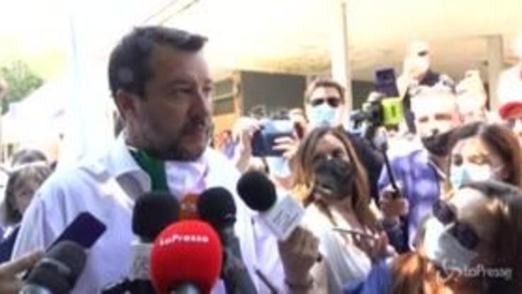 """Aiuti Ue, Salvini: """"Vedere ministri col cappello in mano non è dignitoso"""""""