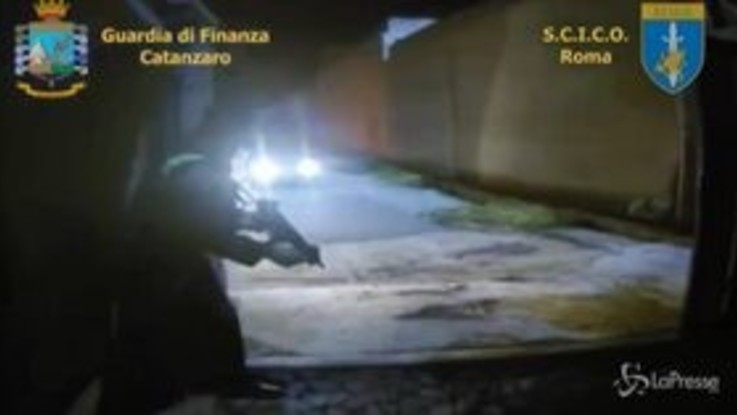 'Ndrangheta, maxi operazione tra l'Italia e la Svizzera: 75 arresti