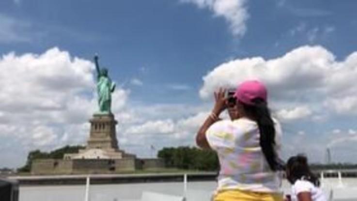 Coronavirus, a New York riapre la Statua della Libertà