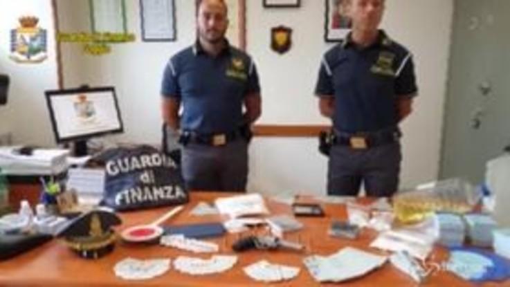 Alcool di contrabbando, cocaina e armi sequestrate a Foggia: un arresto e 4 denunce