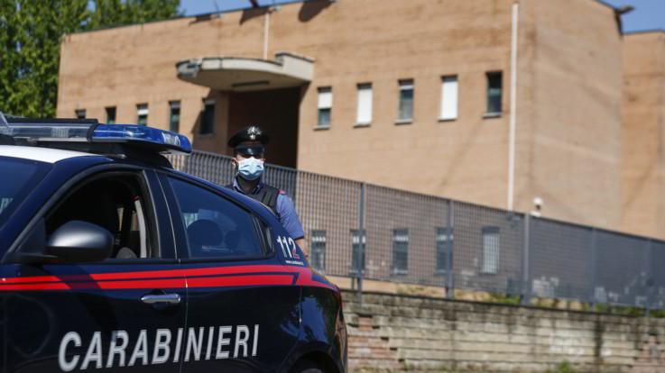 Spaccio, torture ed estorsioni: arrestati almeno 6 carabinieri
