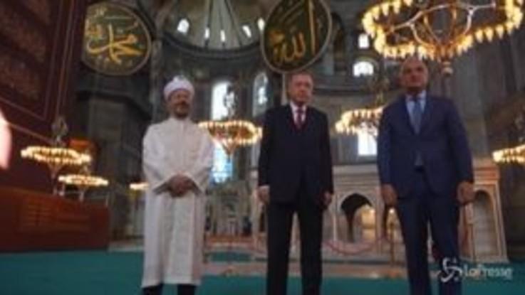 Erdogan a Santa Sofia dopo la conversione in Moschea della storica basilica