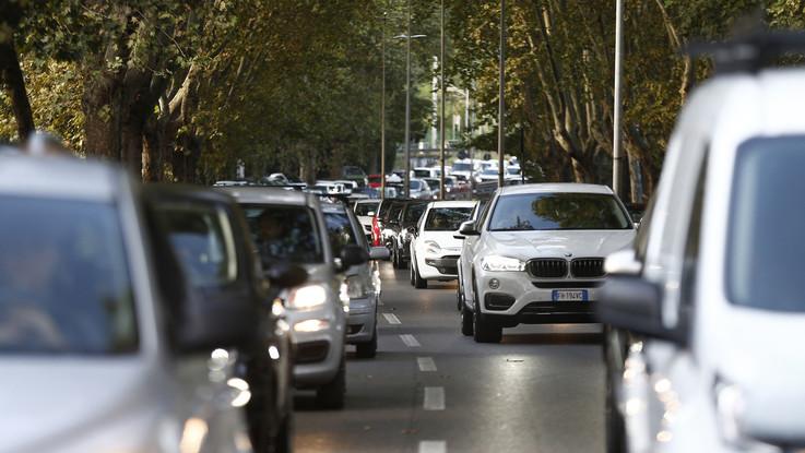 Traffico, da oggi 'bollino rosso': 'bollino nero' l'8 agosto