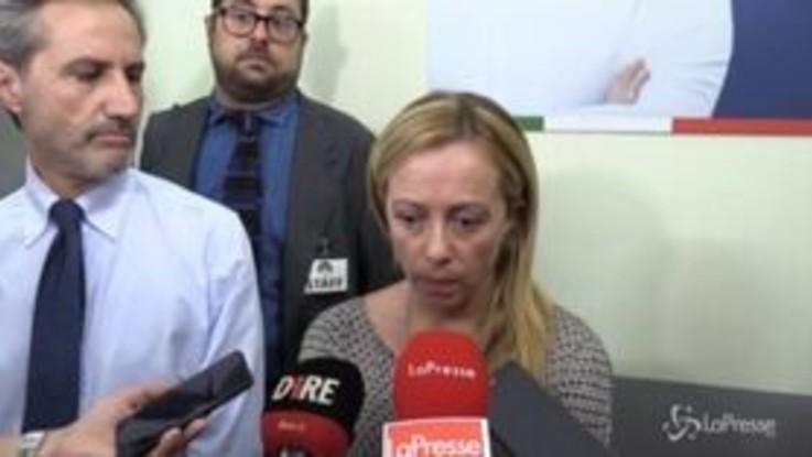 """De Luca vs Lombardia, Meloni: """"Aver deriso i morti è fotografia realistica dell'uomo, si vergogni"""""""