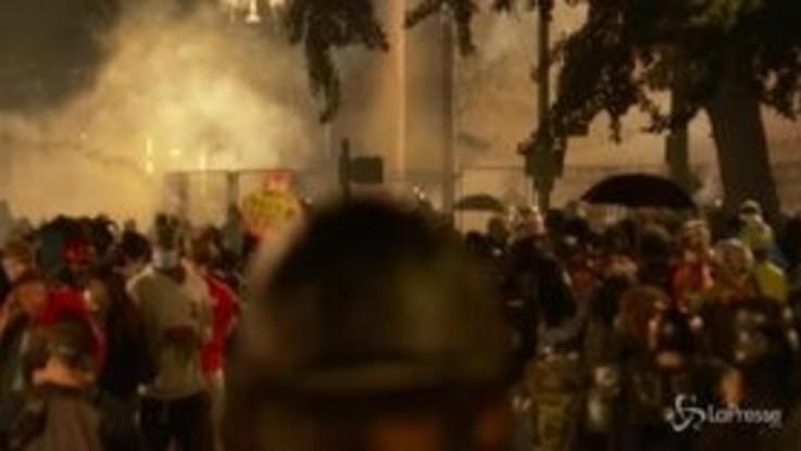 Usa, non si fermano le proteste a Portland