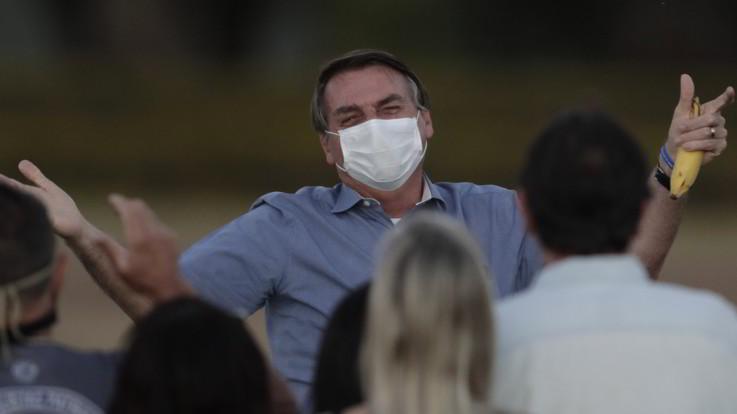 "Coronavirus, Bolsonaro annuncia: ""Sono negativo al nuovo test"""