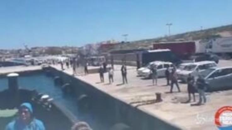 """Migranti, sindaco di Lampedusa: """"Hotspot al collasso"""""""