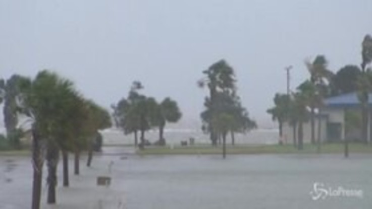 Usa, il Texas si prepara al passaggio dell'uragano Hanna