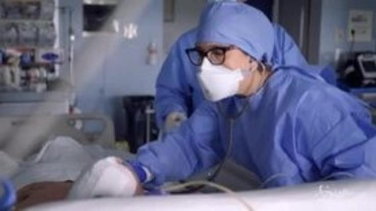 Coronavirus: trend contagi stabile, aumentano i ricoverati in terapia intensiva
