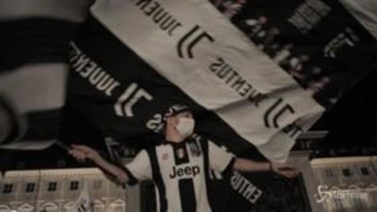Juventus campione: il coronavirus spegne la festa dei tifosi, Piazza San Carlo è semi deserta