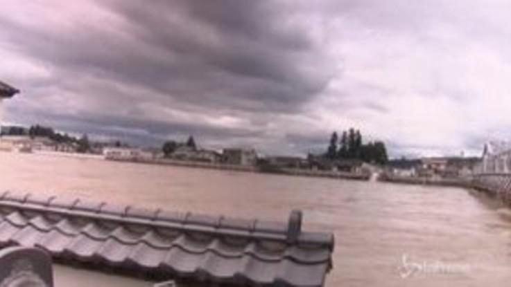 Giappone, allagamenti nel Nord dopo le piogge torrenziali
