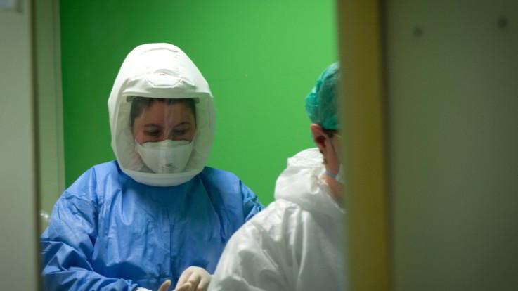Coronavirus, salgono ancora contagi in Italia: 288, 6 i nuovi decessi