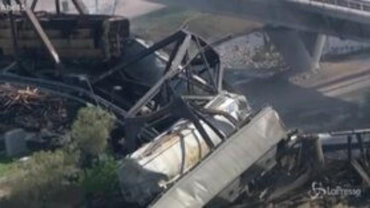 Arizona, treno deraglia e fa crollare un ponte: disastro a Phoenix