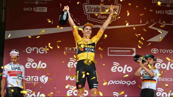 Il Ciclismo riparte con Strade Bianche, trionfa Van Aert Formolo secondo