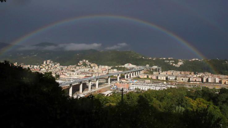 Genova, il ponte San Giorgio aperto al traffico