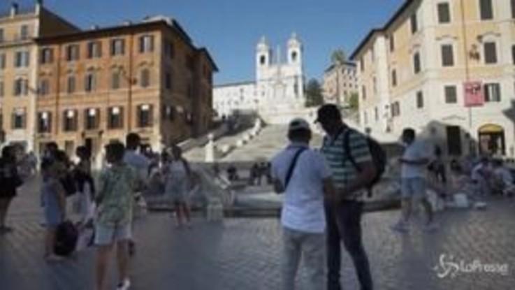 Turismo, a luglio crollo delle presenze: -51%