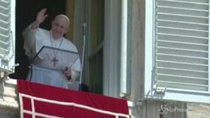 """Papa: """"Religiosi libanesi vivano senza lusso, perché il popolo soffre"""""""