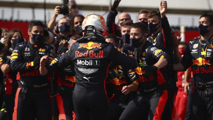 Gp 70°Anniversario, Verstappen domina le Mercedes. Leclerc ottimo quarto