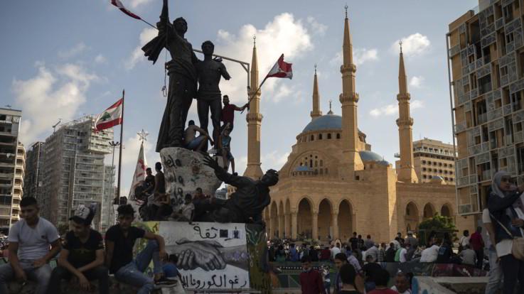 Libano, governo Diab si è dimesso