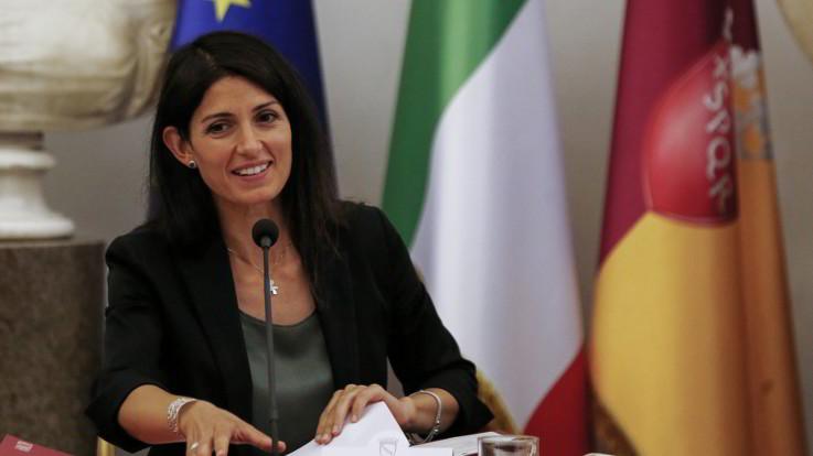 Roma, Raggi: Vado avanti, mi ricandido a sindaco