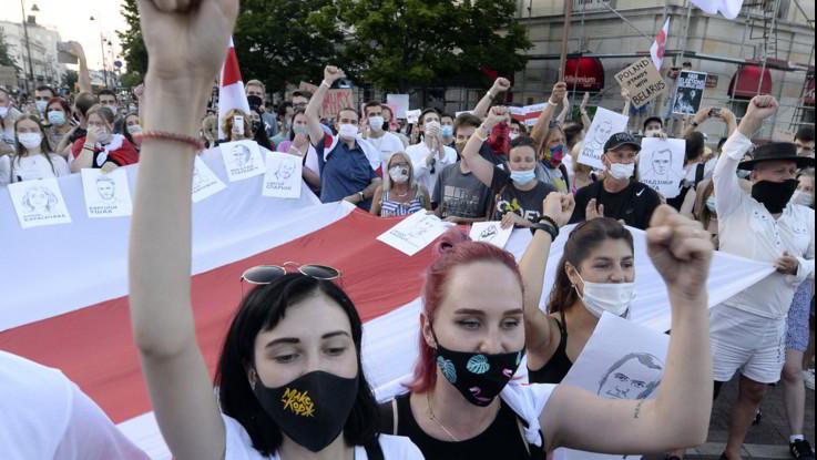 Bielorussia, non si ferma la protesta. 2 mila manifestanti arrestati
