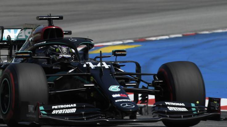 Formula 1, Gp Spagna: trionfa Hamilton davanti a Verstappen e Bottas