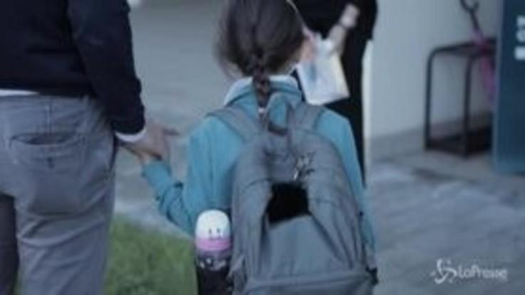 Scuola: suona la prima campanella, a Torino gli studenti tornano in classe