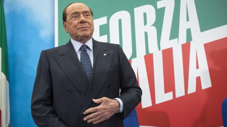Berlusconi: perplesso sul referendum e contrario al blocco delle scuole