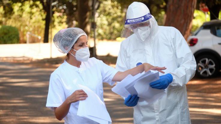 Coronavirus, aumentano i nuovi casi: +1.326 in 24 ore, 6 decessi