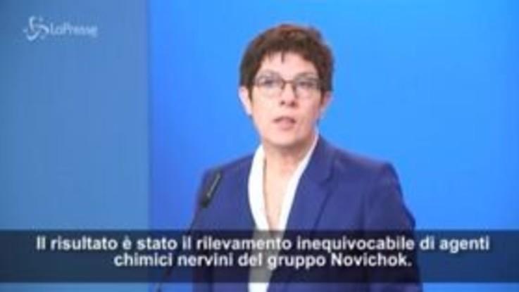 """Navalny avvelenato, ministro Difesa tedesco: """"Evento scioccante"""""""