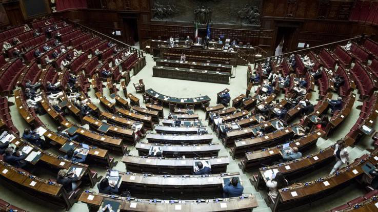 Governo, il decreto Covid passa la fiducia alla Camera: 276 sì e 194 no
